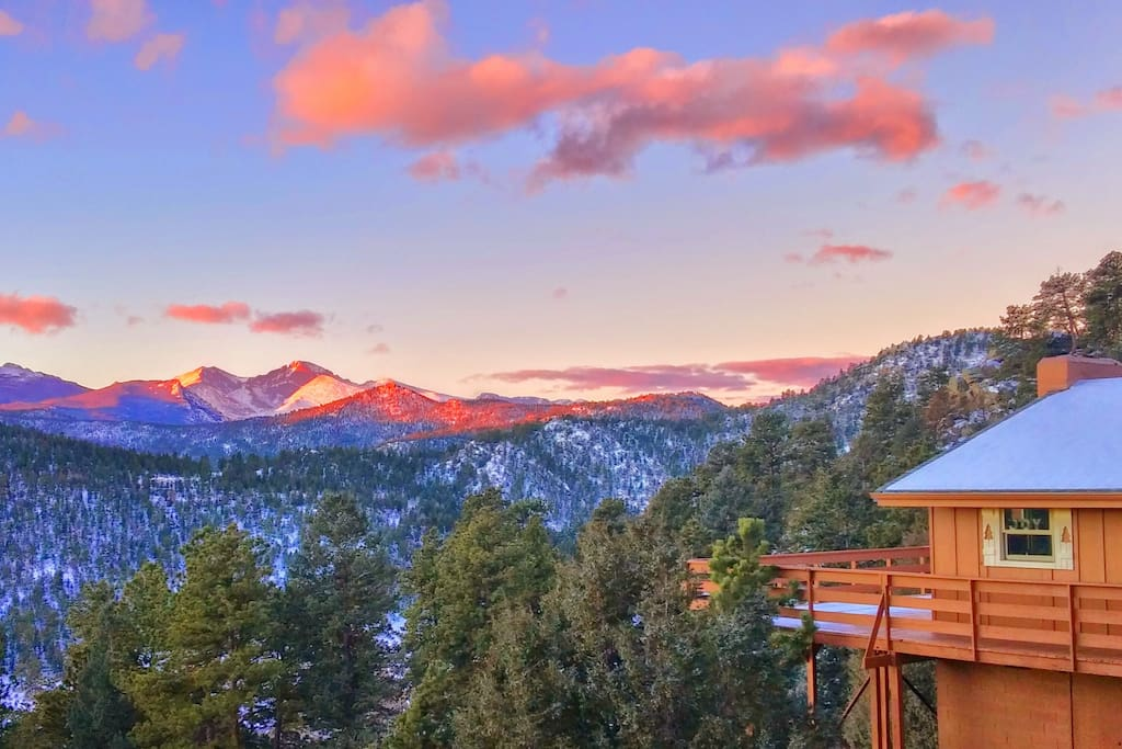Longs Peak Vista Cabin & first snowfall view of Rocky Mountain National Park!