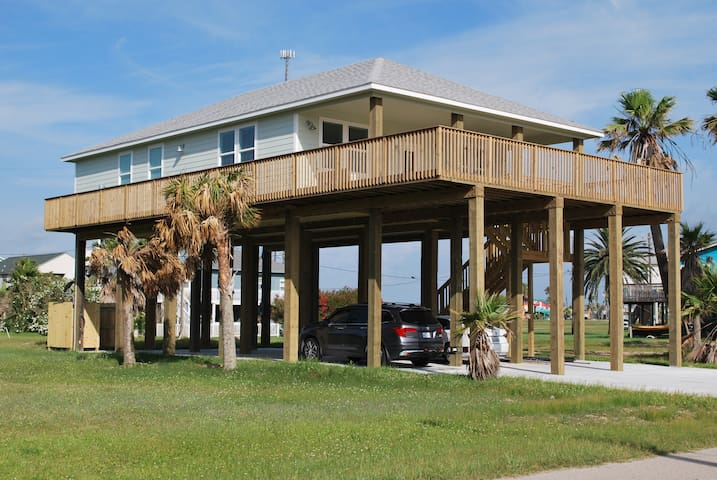 Relax and enjoy a new beach house with great view.