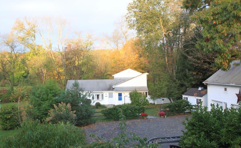 Charming Cottage w/Pastoral Views