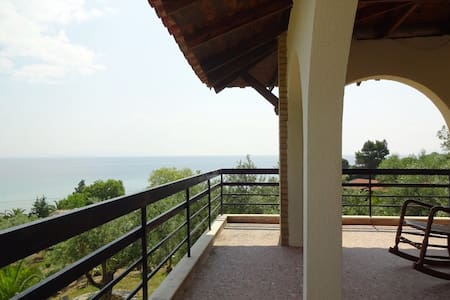 Detached house by the sea - Halkidiki - Huvila