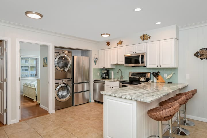 Gorgeous 3 Bedroom Condo Beautifully Renovated Steps to the Beach!