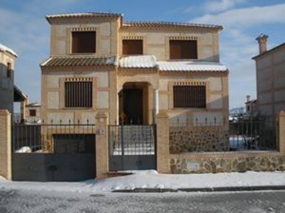 Vista de la casa en su fachada de calle