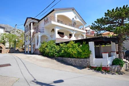 Apartment Ružica (60291-A1) - Karlobag - Apartament
