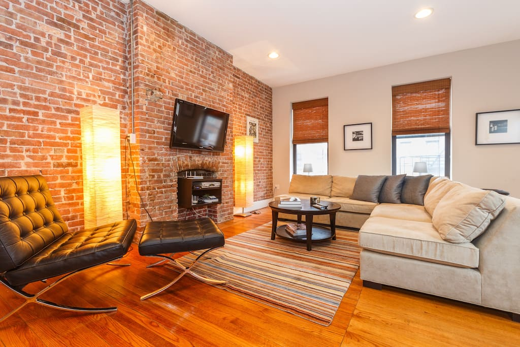 Spacious suite in midtown west times sq appartamenti in for Appartamenti midtown new york