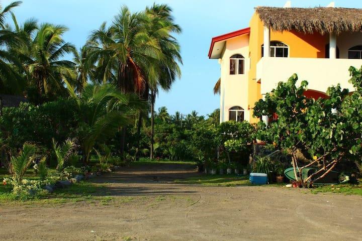 PASCUALES VILLAS - Villa Moyo