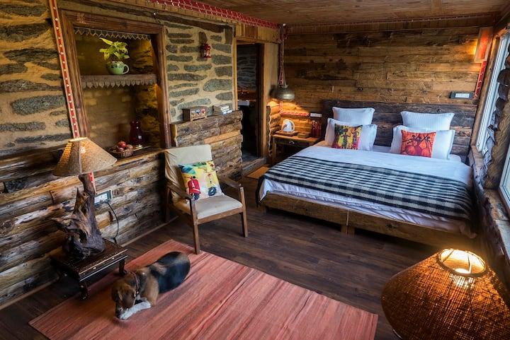 Log Cabin. Meena Bagh Ratnari.