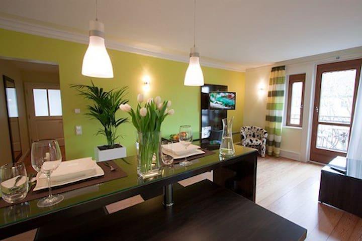 Spacious Design Apartment for 2