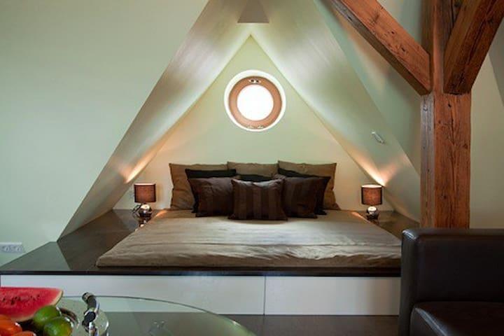Großes Design Appartement für 4 P.