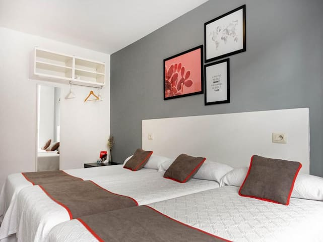 Triple Room Stay In OYO Hospedaje la Tita