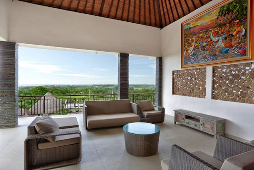3rd story outdoor lounge