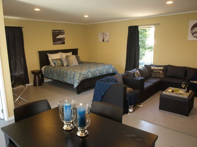 The Fig Inn Orchard Retreat - Katikati - Bed & Breakfast