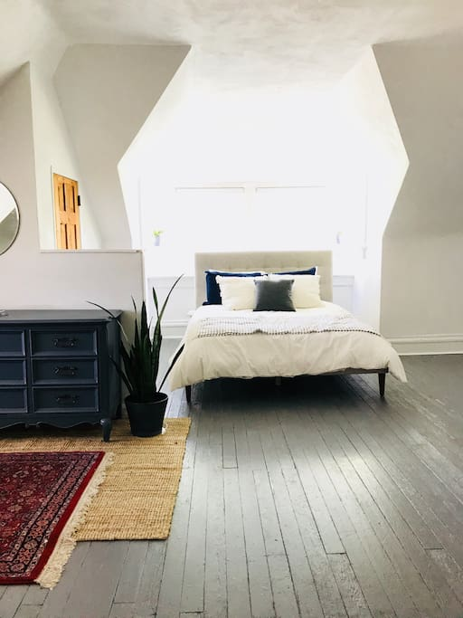 Sunny 2 Bedroom Apartment In Historic Home Guest Suites For Rent In St Louis Missouri