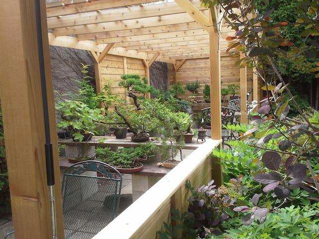 Maison 4 * avec jardin, parking et à côté du métro