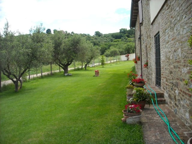 Camera in bellissimo casolare  - Corciano - Bed & Breakfast