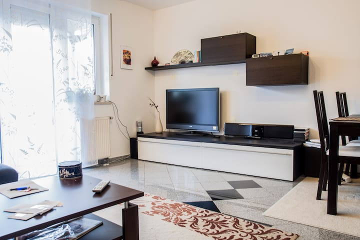 Nice 2 room suburb-flat - Maintal - Appartement
