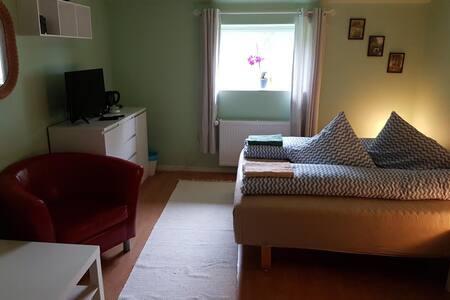 """Silkeborg North Hostel H2 """" frihed på landet"""" - Fårvang"""