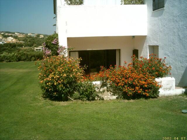 Lujosos apartamento en sotogrande apartments for rent in for Jardines lujosos
