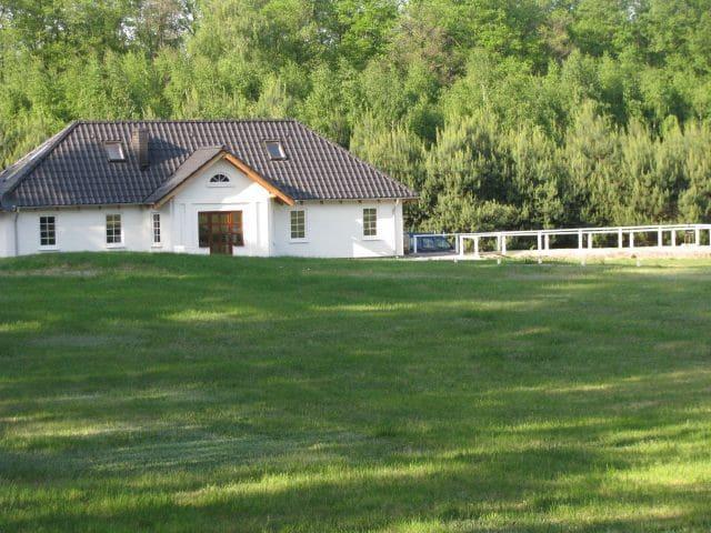 Domek w lesie. Dolina Małej Wełny - Turostówko - Hus