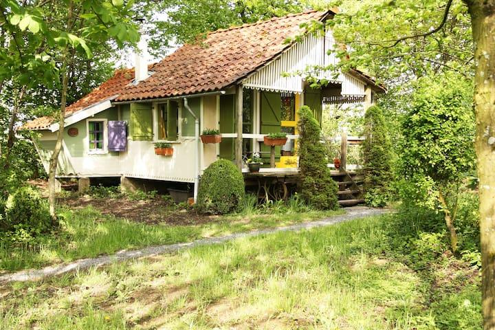 Knus en sfeervol kabouterhuisje - Landouzy-la-Ville - Kulübe