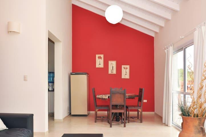 Casa en Estancia Vieja a 5 km C.Paz - Villa Carlos Paz - Zomerhuis/Cottage