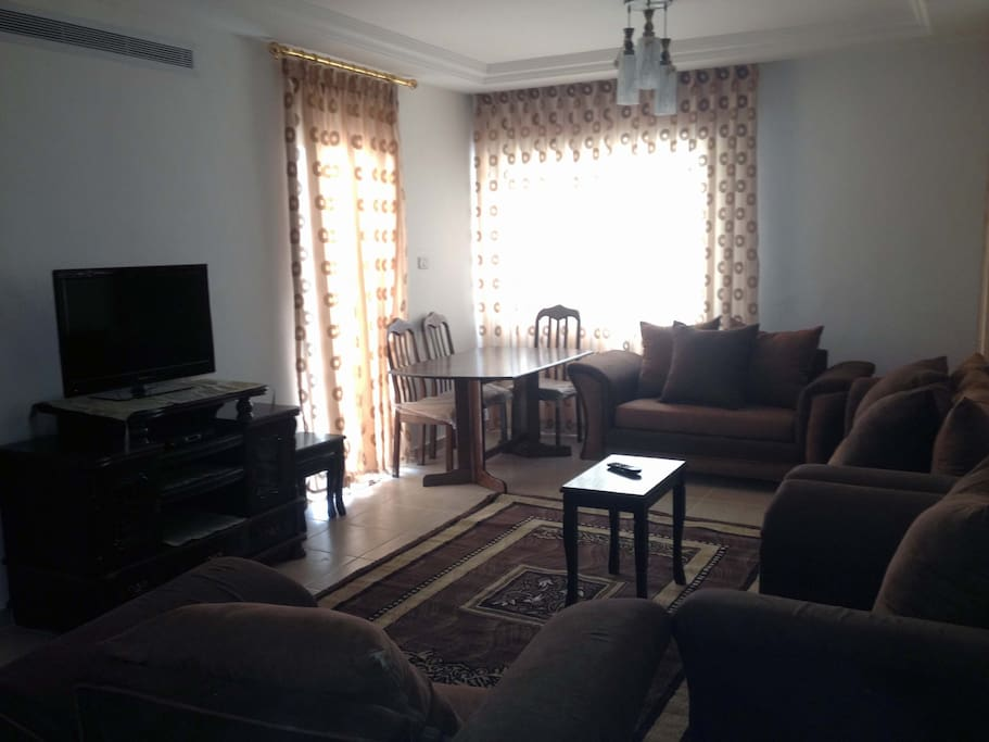 Cozy modern apartment apartments for rent in amman for Living room amman