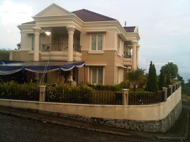 Guest House - Manado