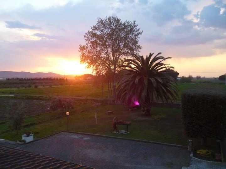 Appartamento da Vinci in country site of Piombino