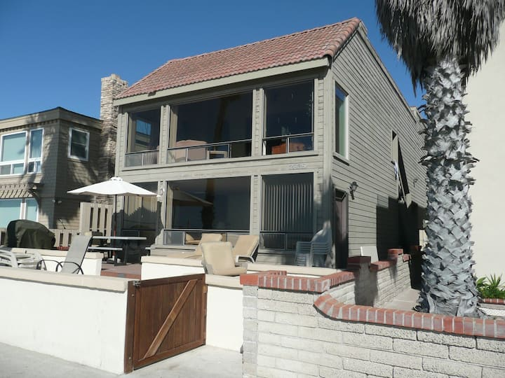 **South Mission Beach-front House**