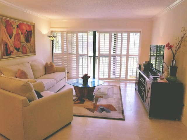 Stunning 2 bed Villa in highly desirable PGA Park