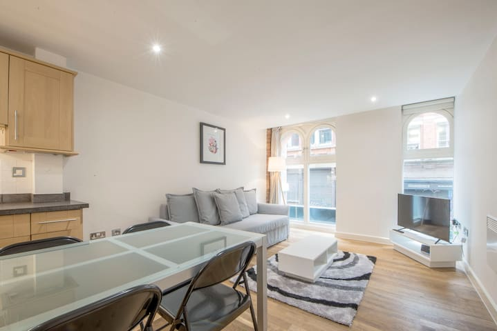 Chill & chic flat, central location, great value