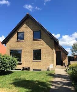Nice home in Holme / Aarhus - Højbjerg - Hus