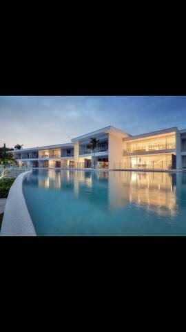 Unit 40 Pool Resort