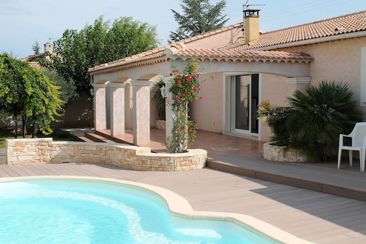 Beautiful modern villa with spacious pool within walking distance of the village