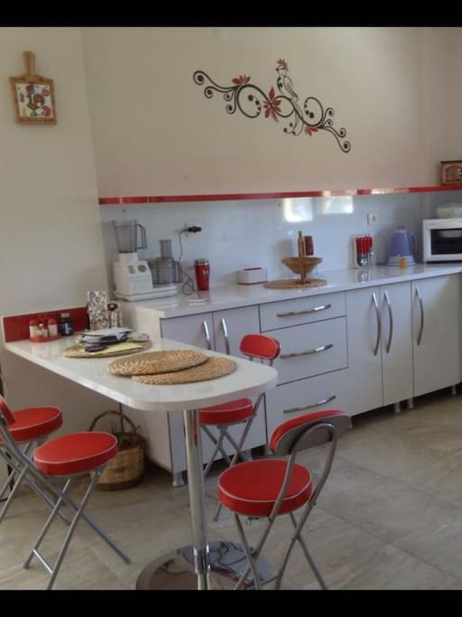 Mutfak (Sol tarafında oturma odası kalacak şekilde)