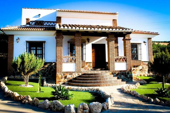 Casa Rural Tita Inés con Piscina - Álora - 別荘