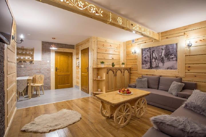 Apartament Sosnowy DeLux dla 2-7 osób Zakopane