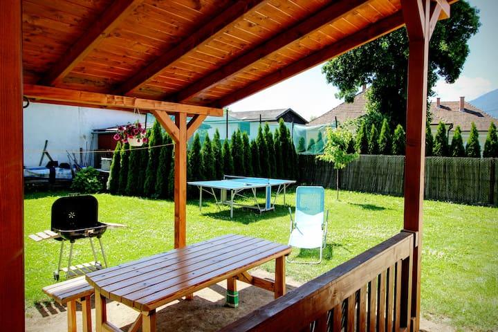 Cozy house, garden and barbeque - Liptovský Mikuláš - House