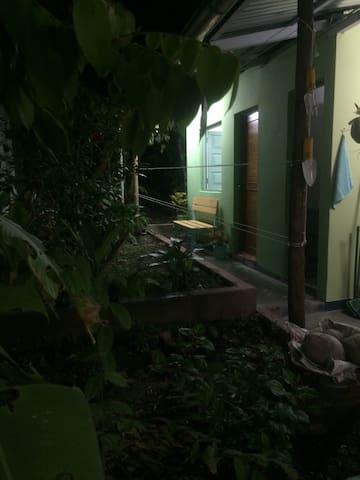 Single private Garden Room S/35 per night
