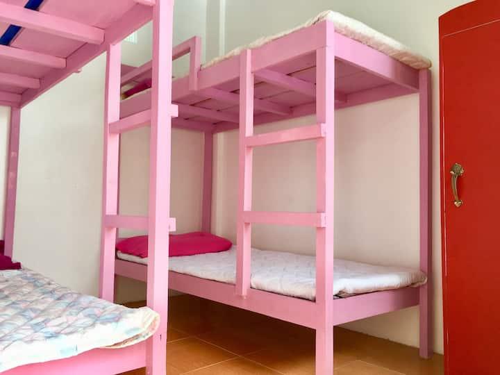 Floro's Affordable Family & Barkada Room