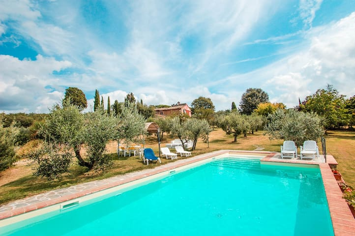 House with private pool 30km from Siena & Arezzo - Rigomagno - 一軒家