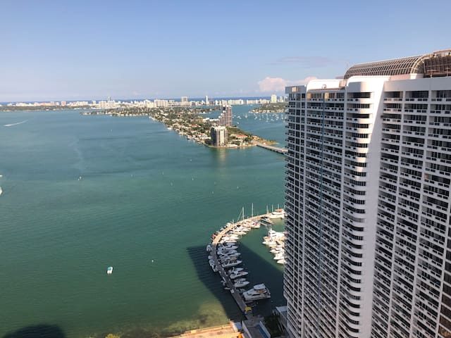 EXCLUSIVE CONDO IN MIAMI OCEAN VIEWS/ FREE PARKING
