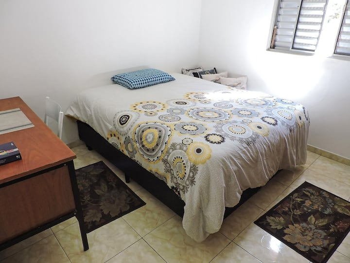 Nice room + wi-fi Vila Mariana