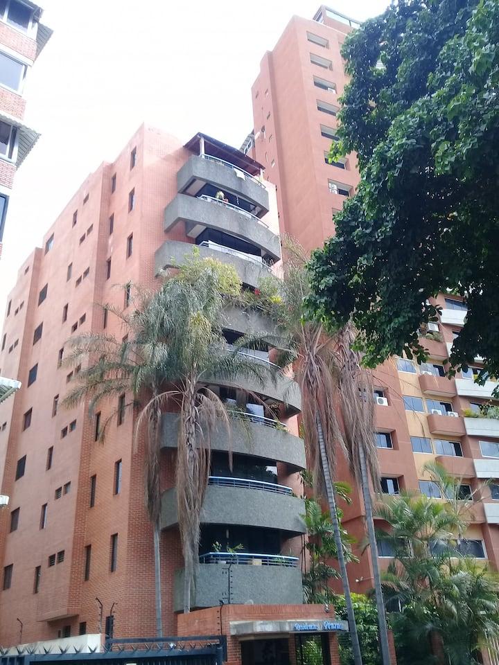 Apartamento Ejecutivo, excelente condiciones