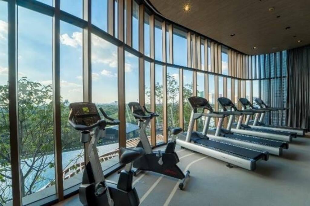 Gym on 8th floor.