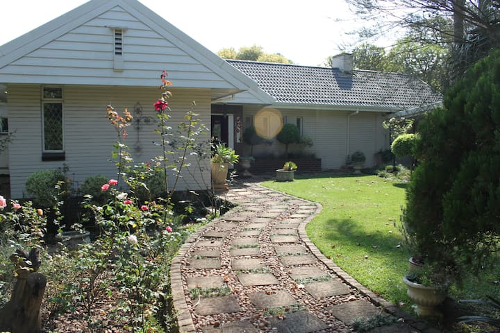 Stylish, comfortable & tranquil - Pietermaritzburg - House
