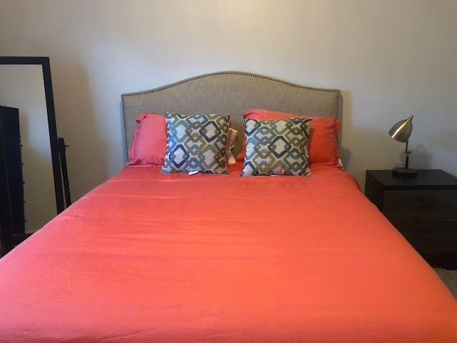 Private Bed and Bath in Midtown Phoenix Townhome