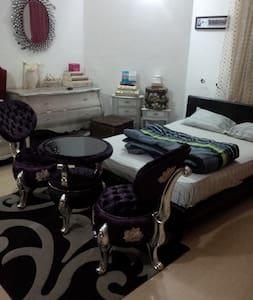 Charming Victorian Apartment - Abuja - Byt