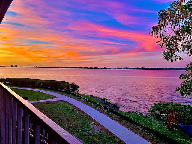 Calming waterfront getaway