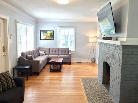 Gorgeous house 15 min walk from campus!