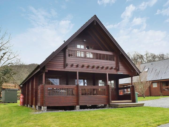 Sun View Lodge No 4 - HW7516 (HW7516)